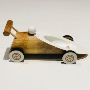 F1 Racer Bambus Bil Laget av bambus og er biologiske nedbrytbare